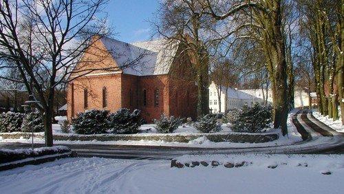 Drone-optagelse af kirken af konfirmand Frederik Juul Christensen