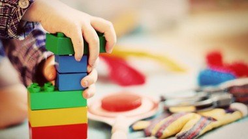 Forslag til små søndagsfejringer hjemme i børnefamilien