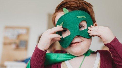 In Gesichtern lesen. Osterferienprojekt für Kinder im Grundschulalter (alle Folgen)