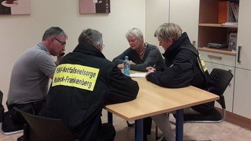Mitarbeitende für Notfallseelsorge und Krisenintervention gesucht