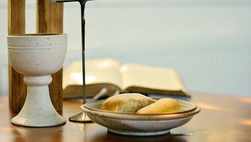 Die Geschichte mit Brot und Saft – Kinderkirche