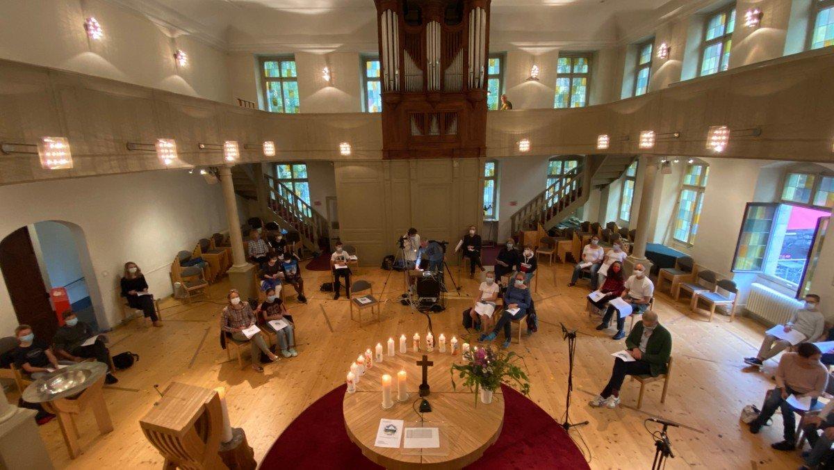 Vorstand erlaubt Hybrid-Gottesdienste