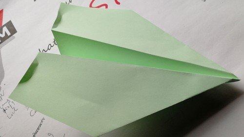 Und noch ein Flieger: Ein Rekord-Papierflieger!