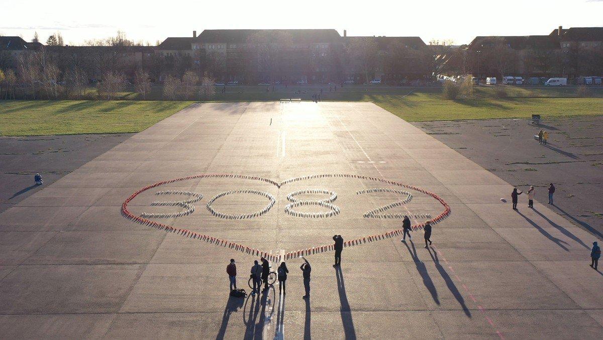 Gedenken an die Corona-Verstorbenen auf dem Tempelhofer Feld