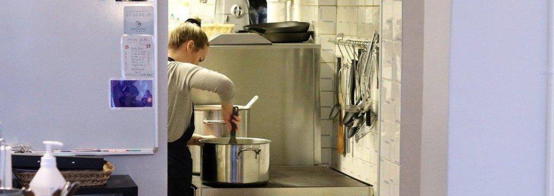 Ledig stilling som kok i Hugs & Food (genopslag)