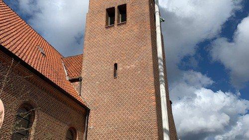 Nu kan mursejlerne yngle i tårnet på Vanløse Kirke