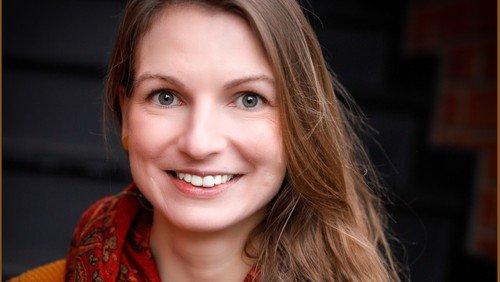 Fragen an Bewerberin Pastorin Karolin Eckstein - Video inside