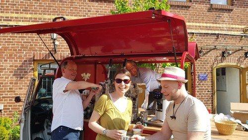 Kirche Piazza: Das evangelische Kaffemobil kommt nach Marzahn
