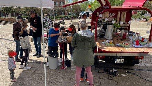 Kirche Piazza - Die Kaffee-Ape kommt nach Schöneberg