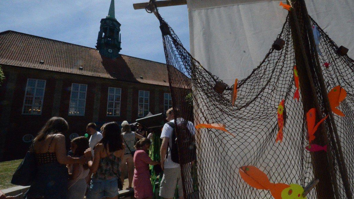 Den Brogede Verden inviterer til FRBDage på kirkepladsen