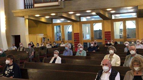 Wieder Gottesdienste in der Kirche