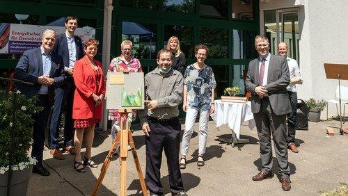 1.000 m² selbstbestimmtes Leben - Ev. Kirchengemeinde Dreieinigkeit und Diakoniewerk Simeon legen Grundstein für barrierefreies Wohnen