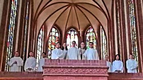Einladung zur Mitte des Jahres: Gesang und Orgelmusik zum Johannisfest