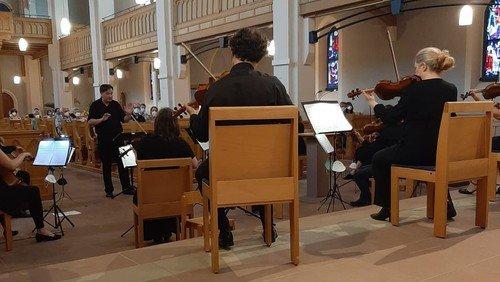 Begeisterte Musik vom Akademischen Kammerorchester Karlsruhe in der Nordkirche