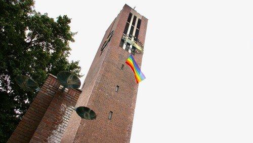 Matthäikirche zeigt Flagge