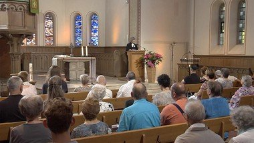 Wiederholung am Sonntag: ERF-TV Gottesdienst aus der Bielertkirche