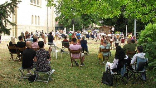 Rückblick - Open Air Gottesdienst neben der Kirche am 11. Juli um 10.30 Uhr