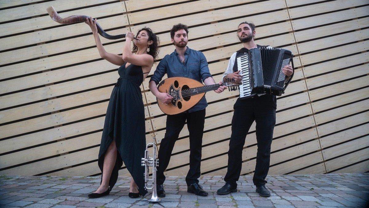 Folkadu-Konzert zur Vernissage am 10.07.