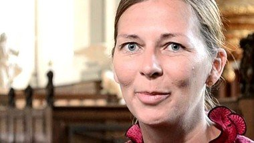 Sognepræst Marlene Lindsten tilbage fra barsel
