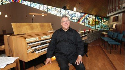 Orgelkonzert mit Kirchenmusikdirektor Burghardt Zitzmann in Weidenhausen