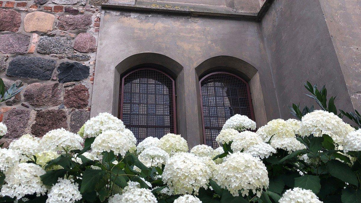 Kirchenfenster August / September 2021