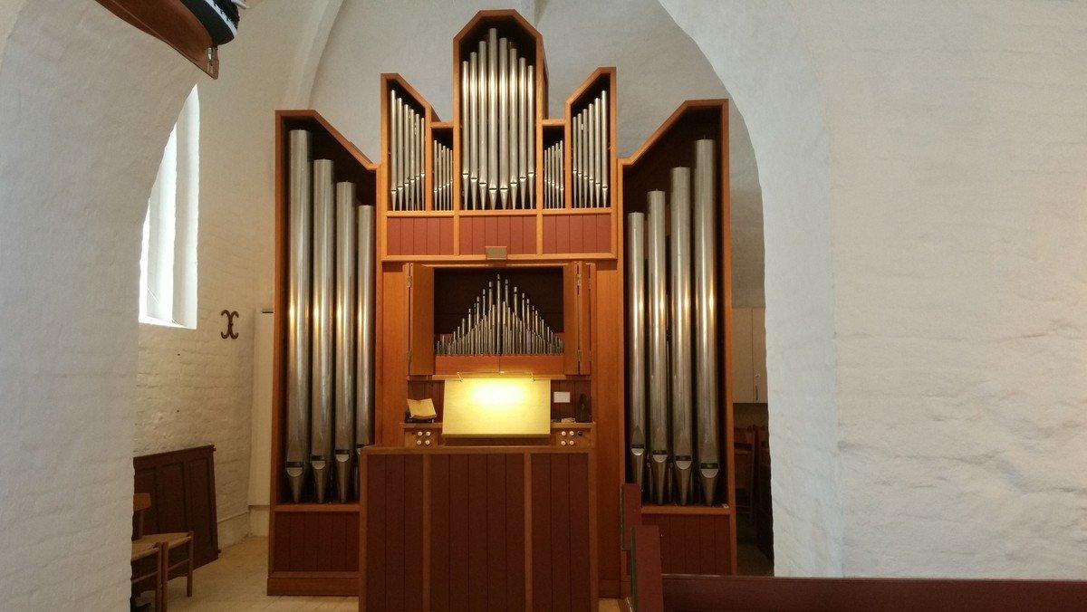 Nedtoning i kirkerummet