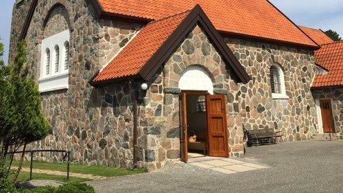 Kirkerne må igen have fulde huse