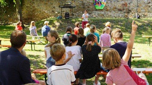 Jeden Tag was Neues erleben: Das Eine-Woche-Ferienprogramm für Kinder und Familien