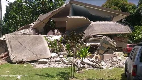Haiti - Zerstörung und Leid nach starkem Erdbeben