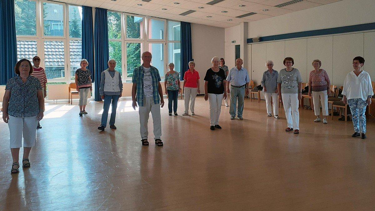 Wer laufen kann, kann auch tanzen - Erlebnistanz im Gemeindehaus Hasten