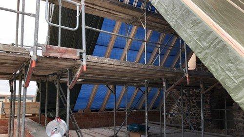 Die Kirche bekommt ein Dach
