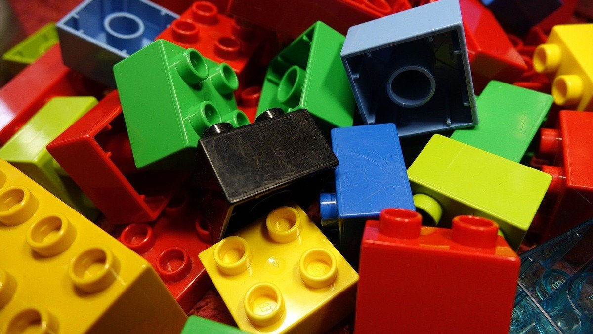 Præsteklumme: Om at bygge Lego-tårne