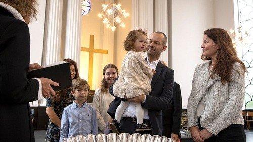 I fjerde forsøg blev Petra døbt