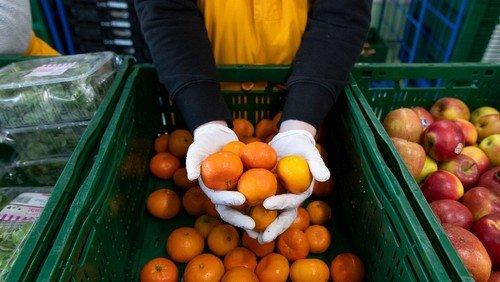"""""""Eins mehr!"""" sammelt 5,6 Tonnen Erntedankgaben für Bedürftige"""