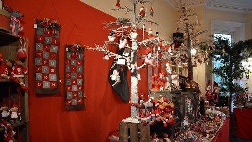 Vil du hjælpe på vores julebasar? / Would you like to lend a hand at our Christmas Bazaar?