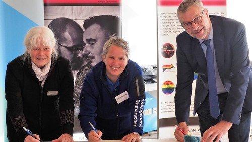 Kirchenkreis Dithmarschen unterzeichnet als erster im Land die Lübecker Erklärung für Akzeptanz und Respekt