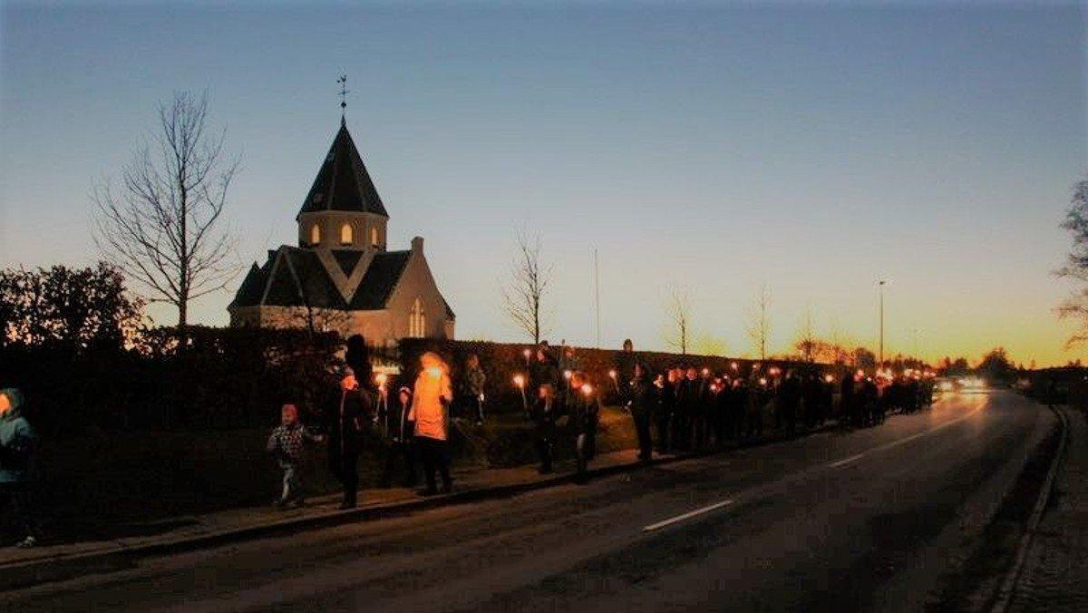 Fakkeloptog og juletræstænding i Øster Hurup