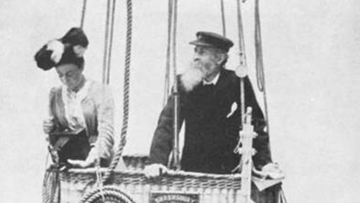 Exhibition - Rev. John Bacon, The Scientific Balloonist from Cold Ash