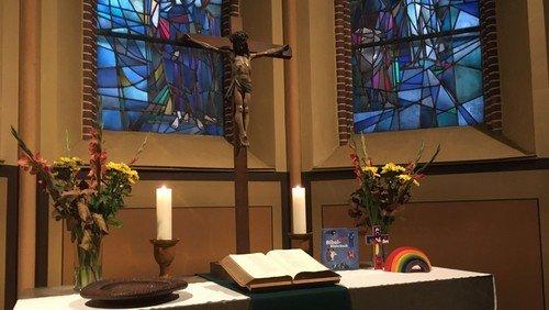 Gottesdienst und paralleler Kindergottesdienst in der Magdalenenkirche
