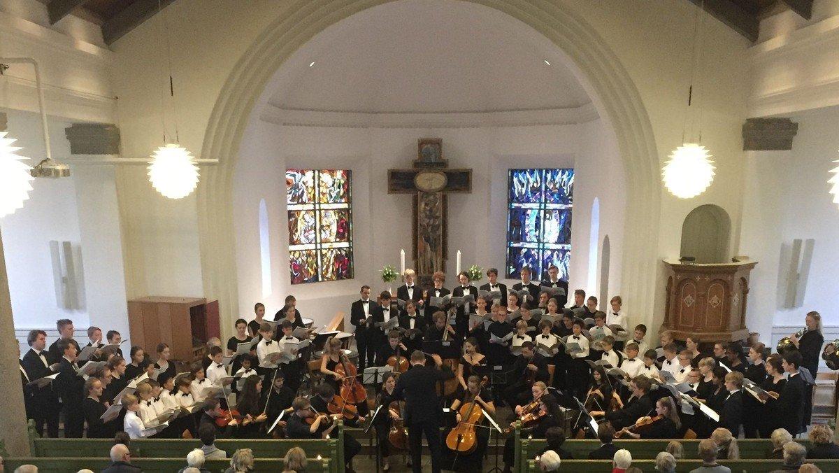 Mozarts Requiem ved Herning Kirkes Drengekor, MidtVest Pigekor og og Det Danske Ungdomsensemble