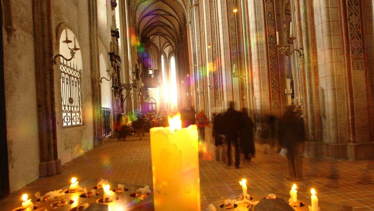 Ökumenischer Gedenk-Gottesdienst der Heimatvertriebenen und Flüchtlinge mit Diakon Arno Karp und Marienpastorin Inga Meißner