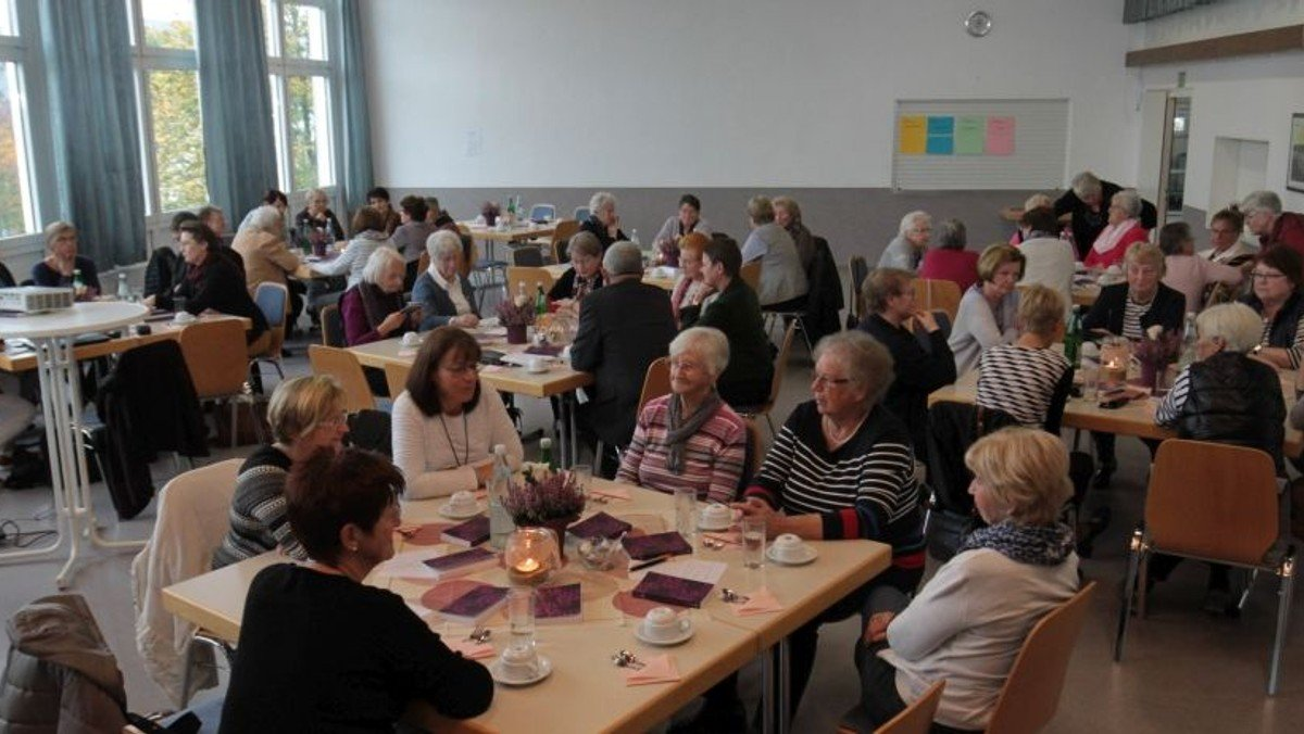 """""""Frauen – stark, mutig und kompetent"""": Frauencafé I in Biedenkopf"""