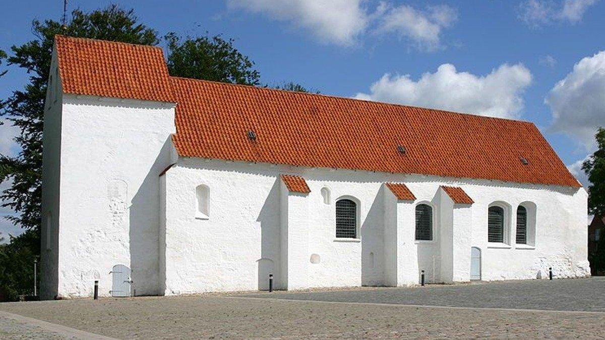 Højmesse i Asmild Kirke