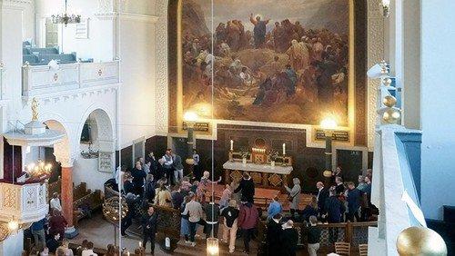 Gudstjeneste i Sct. Matthæus Kirke kl. 10 og Eliaskirken kl. 13