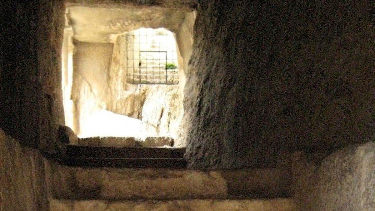 Vom Dunkel zum Licht - Vom Tod zum Leben. Osterfrühgottesdienst