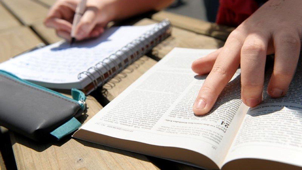 Bibelkreis auf Farsi