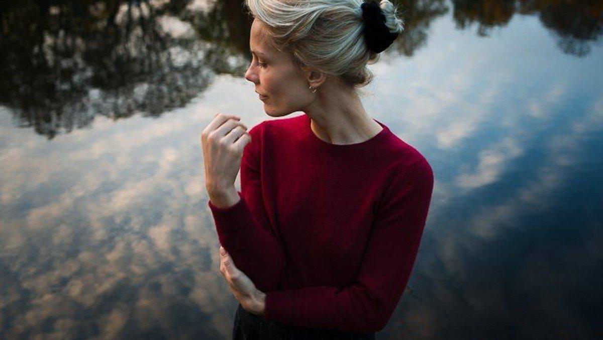 Café-koncert: Line Gøttsche solo.