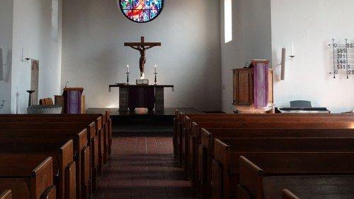 Gottesdienst  im Kirchgarten mit Posaunenchor