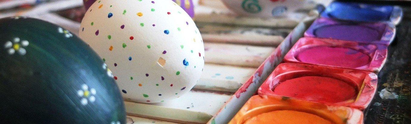Påskeklatring - maling af påskeæg og klatring efter påskeæg