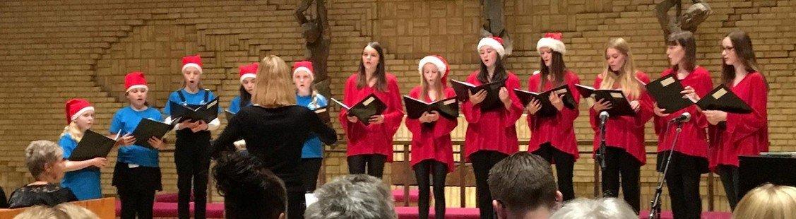 Julekoncert med Luciaoptog ved Skalborg Kirkes børne-, ungdoms- og spirekor samt Ide Bylin Bundgaard